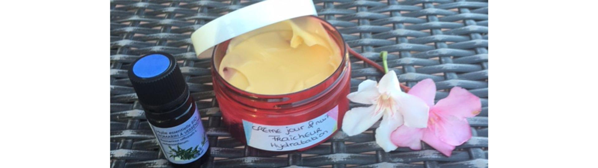 Crème Visage : Teint illuminé & peau hydratée jour / nuit