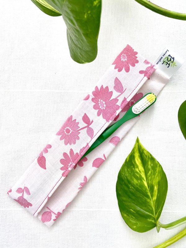 Pochette à brosse à dents fleur rose