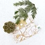 pochette savon imperméable fleurs jaunes orangées